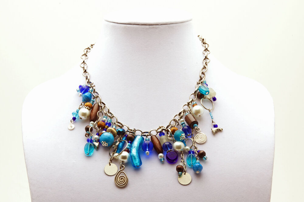maisha trendy chain brilliant blue beaded necklace