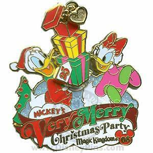 Disney WDW Mickeys Very Merry Christmas Party Donald Duck and