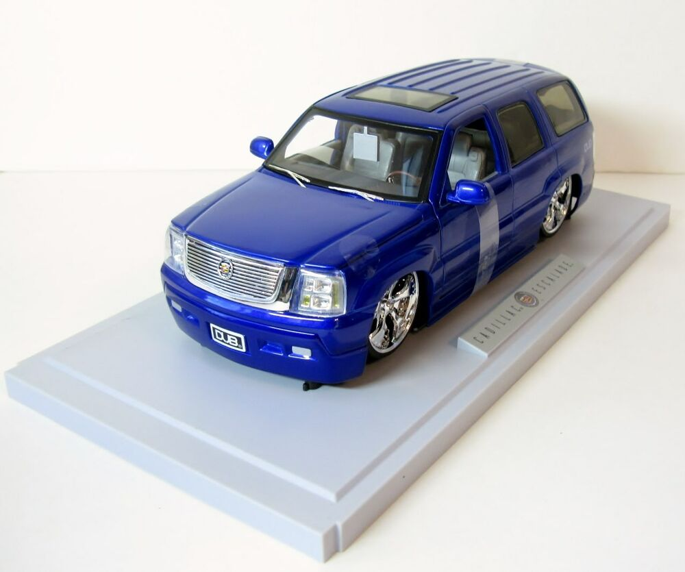 Jada Dub City Cadillac Escalade Lowrider Diecast Car Model