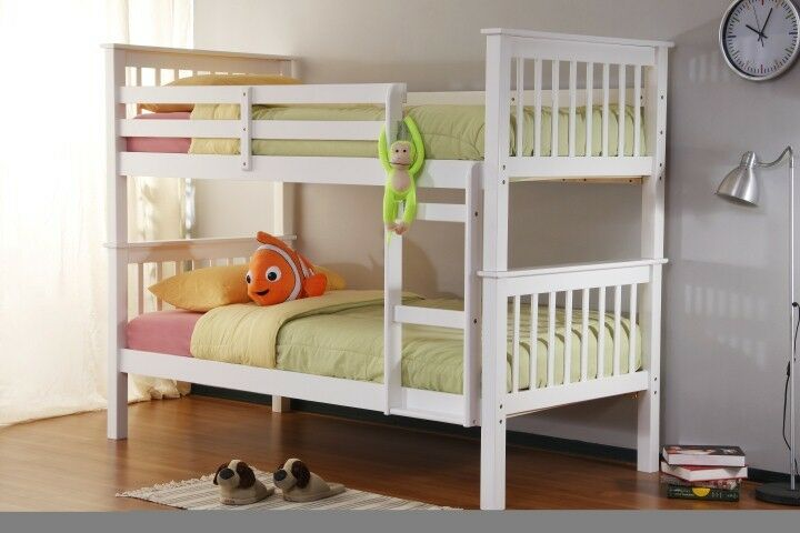 CONTEMPORARY SOLID WHITE WOODEN BUNK BED SET MATTRESSES