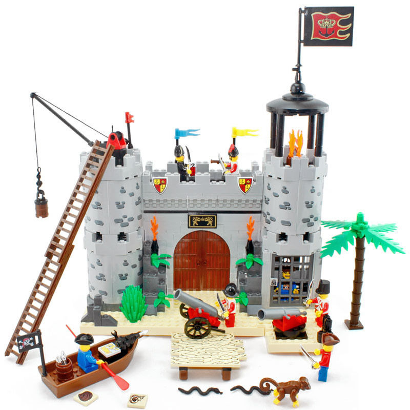 Toy Castle Show : New building blocks toy castle pirate ship boat gift
