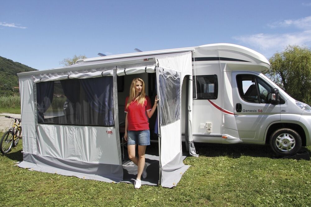Fiamma Awning Privacy Room 3 0m Medium Sides Front