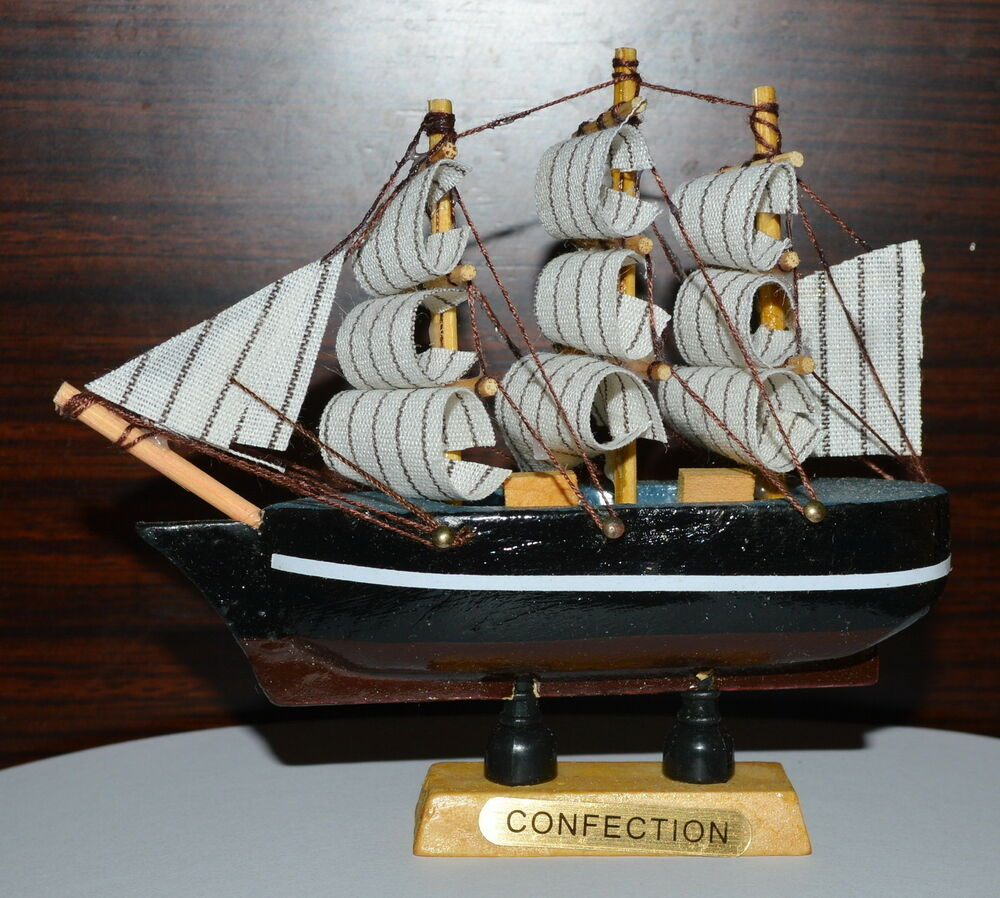Boat Home Decor: Lovely VINTAGE Nautical Wooden Wood Ship Sailboat Boat
