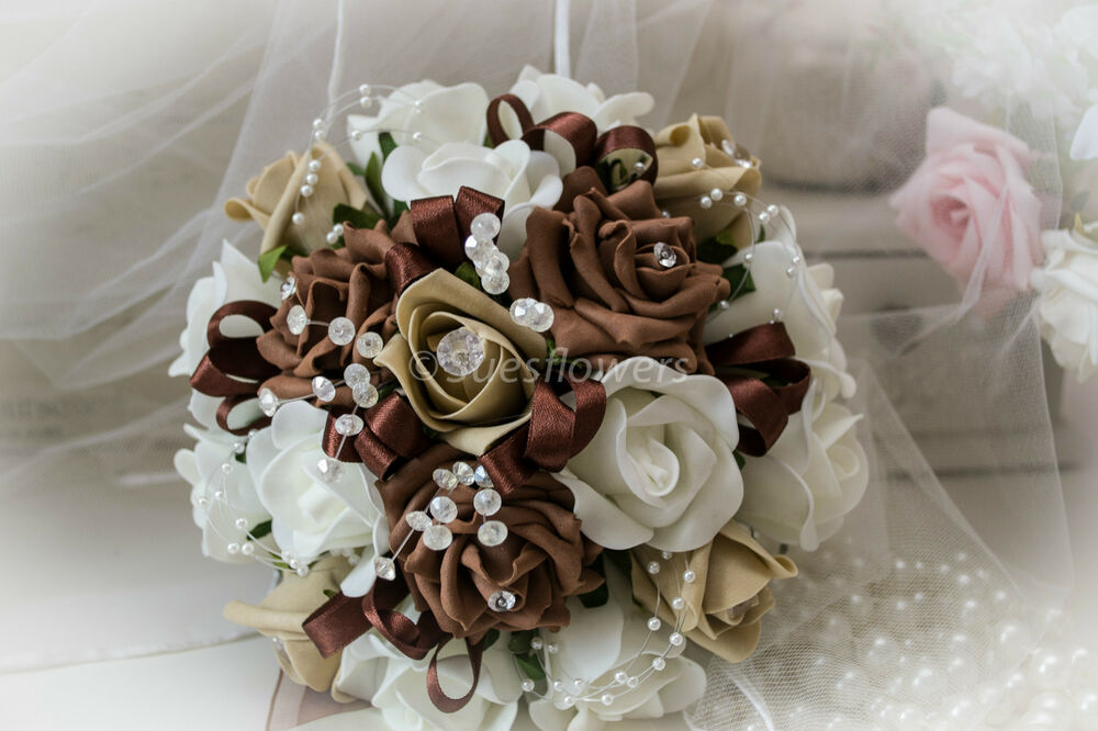 WEDDING FLOWERS BRIDESMAID BOUQUET IN CHOCOLATE/COFFEE AND