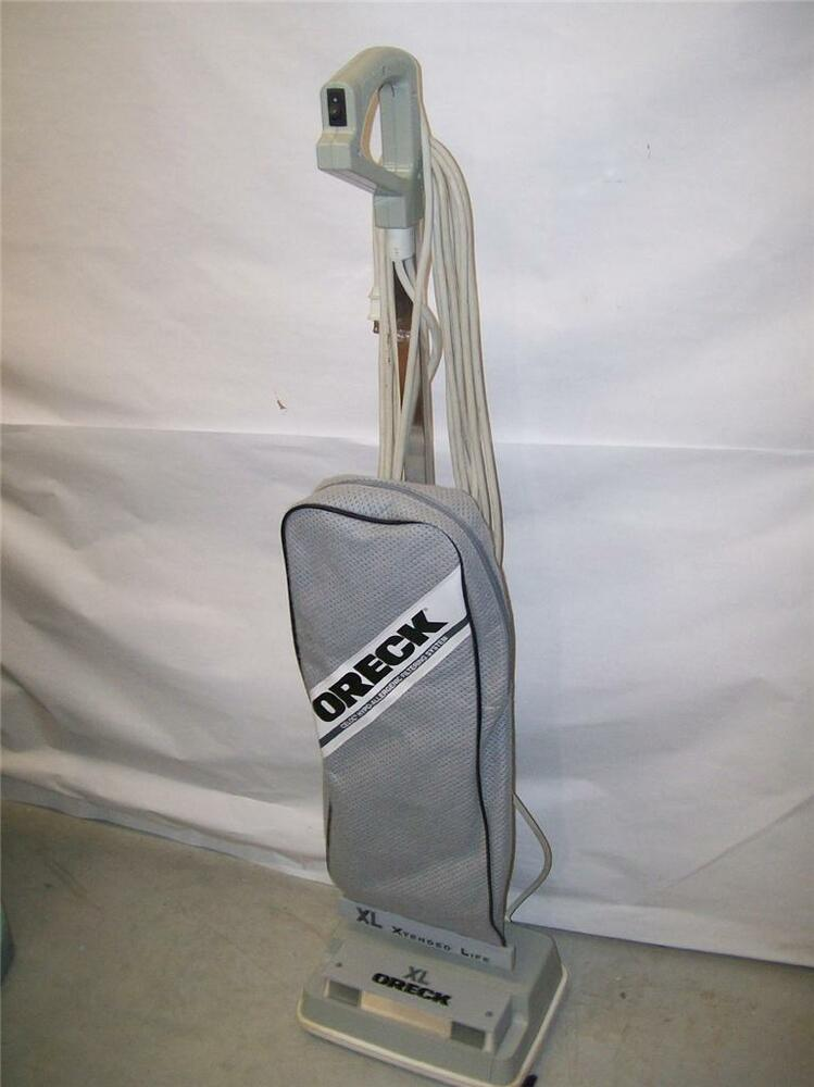 Oreck Vacuum Cleaner Model Xl 2600 New Bag Works Well