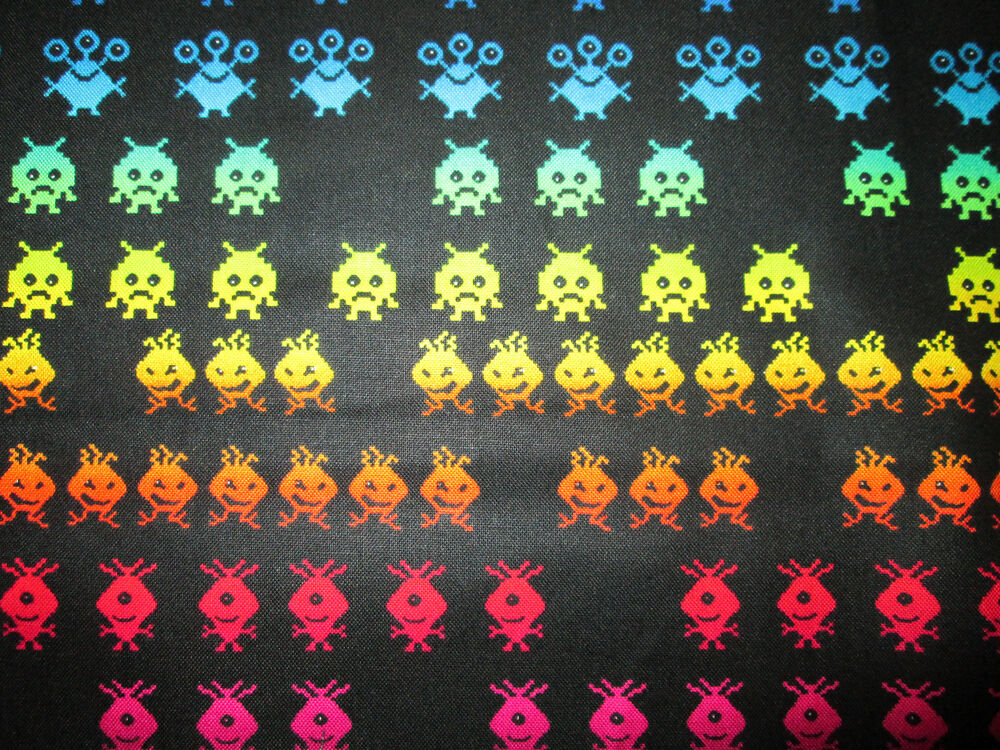 Space invaders pac man video nintendo games cottton fabric for Space is not fabric