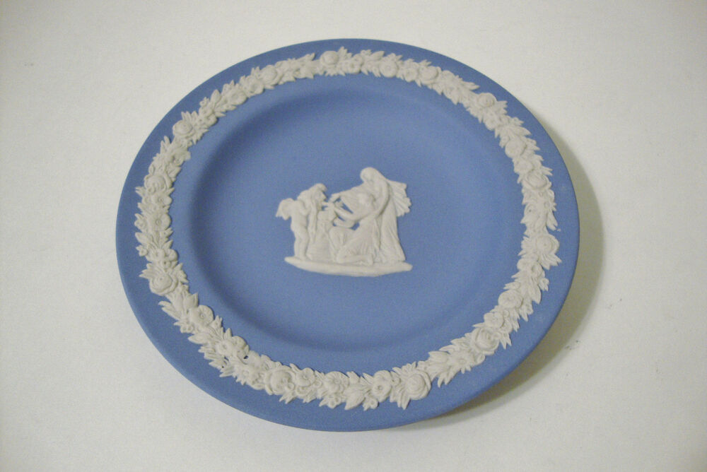 English wedgwood jasperware light blue decorative small
