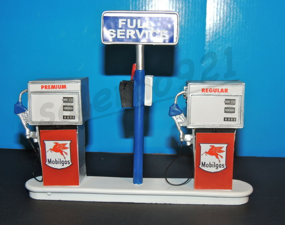 mobilgas service station gas pump island ready to display 1 18 1 24 scale nwb ebay. Black Bedroom Furniture Sets. Home Design Ideas