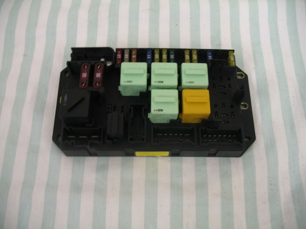 range rover l322 rear fuse box yqe000350 yqe000351 | ebay where is range rover fuse box 99 range rover fuse box