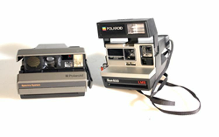 set of 2 polaroid cameras spectra and sun600 ebay Polaroid Instant Camera Black Polaroid Camera Battery Charger Lights