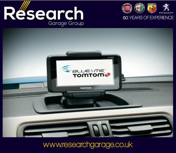 fiat alfa romeo blue and me tom tom 2 sat nav 71806238 2. Black Bedroom Furniture Sets. Home Design Ideas