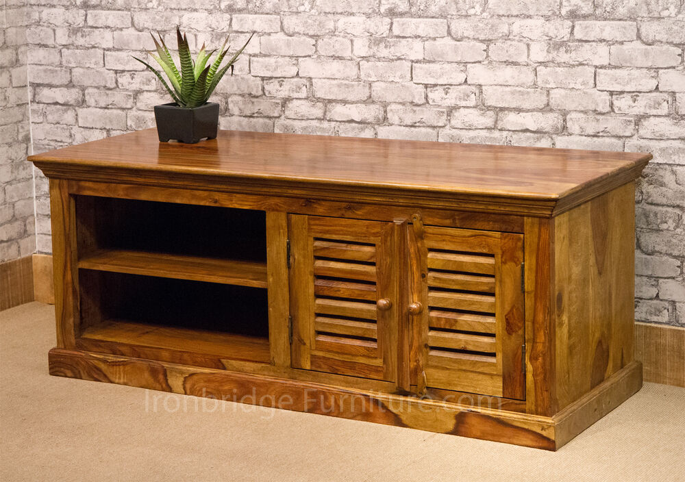 SOLID HONEY SHEESHAM WOOD TV PLASMA CABINET LOW SIDEBOARD  -> Wood Tv Sideboard