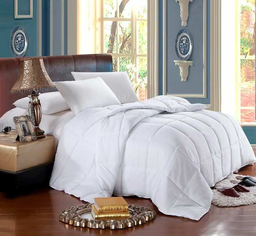 White King Calking 750 Goose Down Alternative Comforter