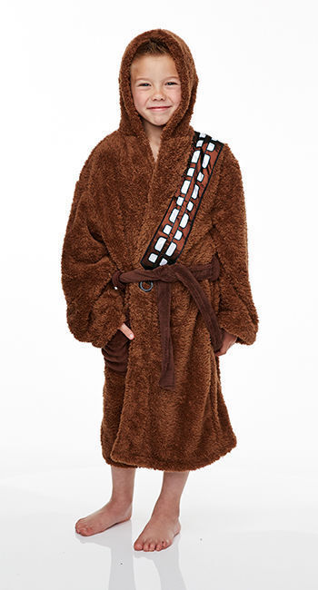 The large embroidered Star Wars logo on the back adds a quality look and feel along with embroidered lightsabres to the front right chest area. The hood offers extra warmth and looks great too. The force is strong with this awesome soft and snuggly boys Star Wars dressing gown.