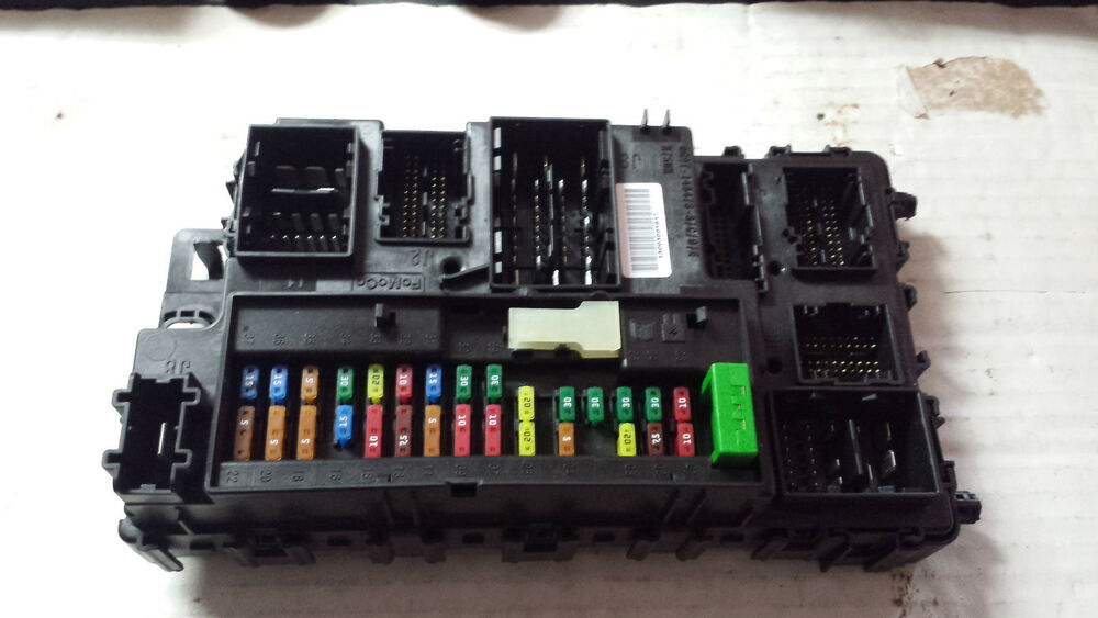 fuse box in ford fusion 2013    ford       fusion    under dash    fuse       box    dg9t 15604 dm ebay  2013    ford       fusion    under dash    fuse       box    dg9t 15604 dm ebay