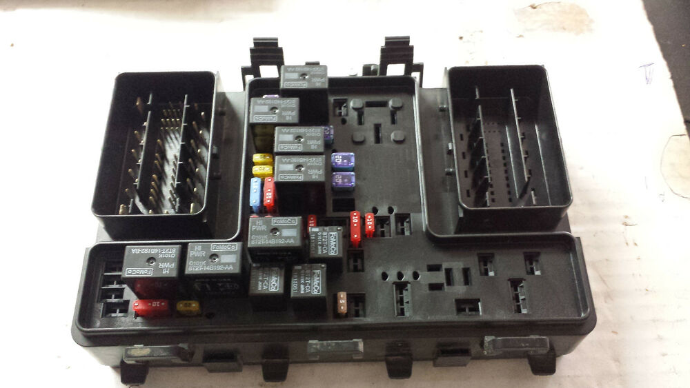 fuse box in ford fusion 2013    ford       fusion    under hood    fuse       box    dg9t 14a067 af ebay  2013    ford       fusion    under hood    fuse       box    dg9t 14a067 af ebay