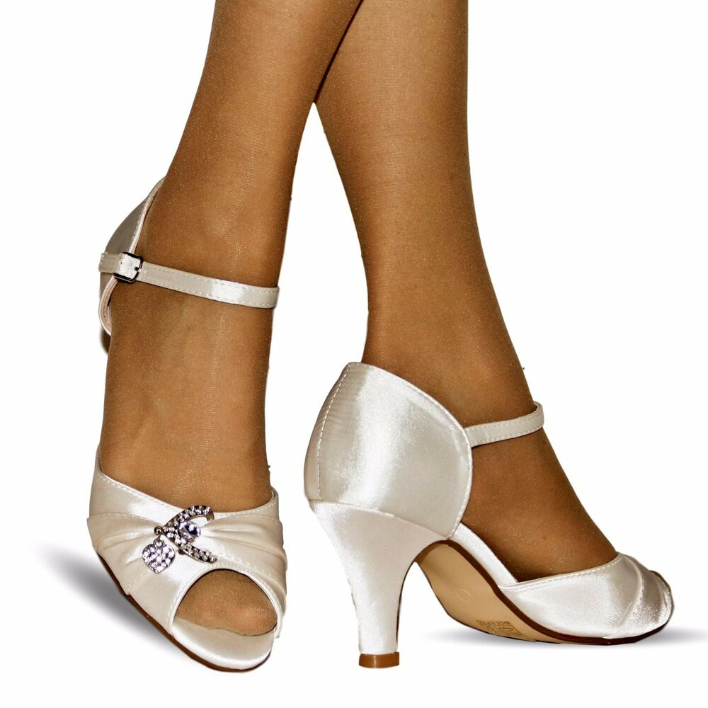 NEW Ladies Wedding Bridal Diamante Ivory Satin Low Mid Heel Sandals Shoes Size03
