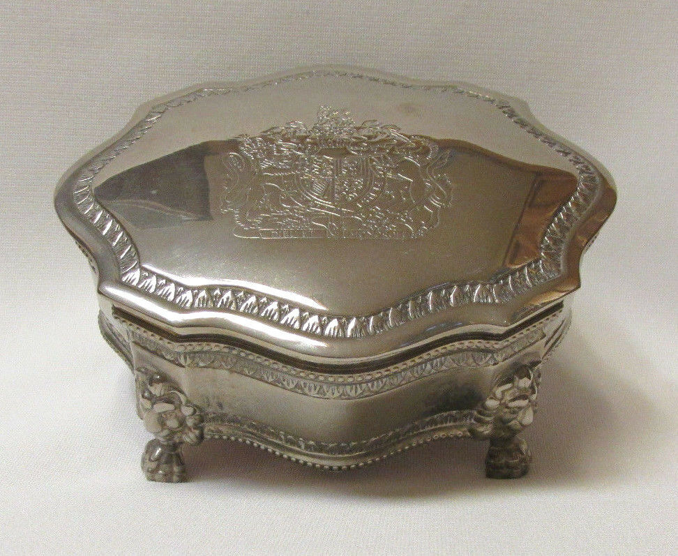 VINTAGE ELEGANCE ENGRAVED SILVER PLATED ZINC JEWELRY BOX ...