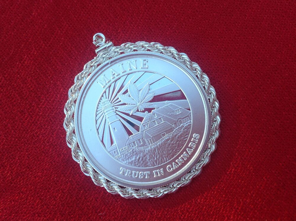 Silver Rope Bezel With 1 Troy Oz Silver Cannabis Coin