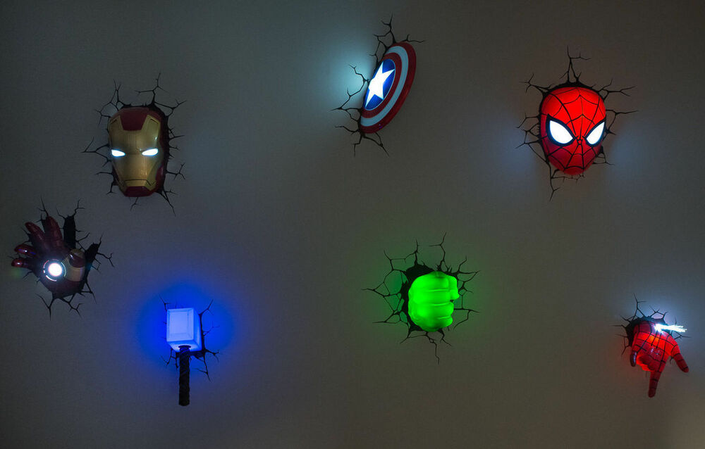 Marvel Wall Lights Spiderman : Set/Lot/Bundle of 7 Marvel AVENGERS SPIDER MAN 3D FX Deco Wall LED Night Lights eBay
