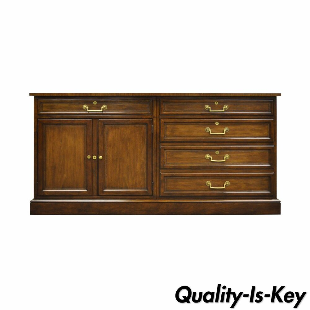 Vintage Baker Furniture Collector 39 S Edition Mahogany