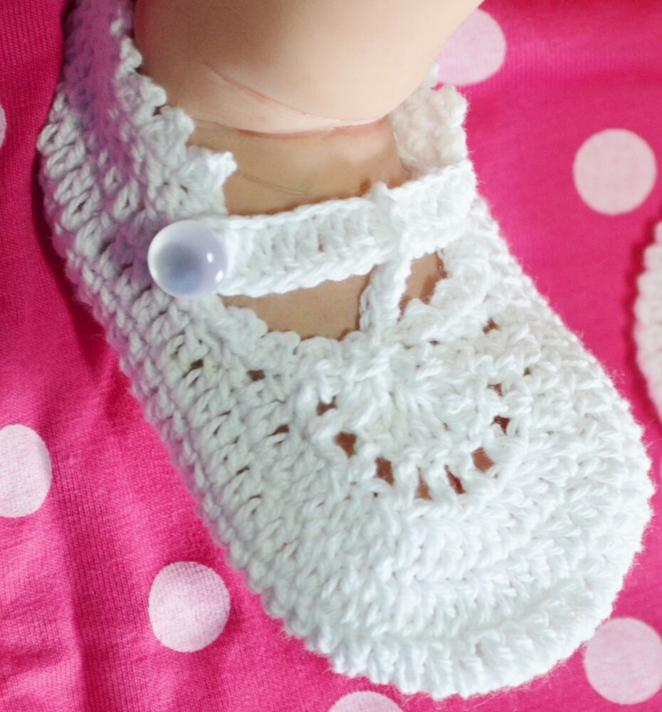 Crochet Mary Jane Shoes For Babies