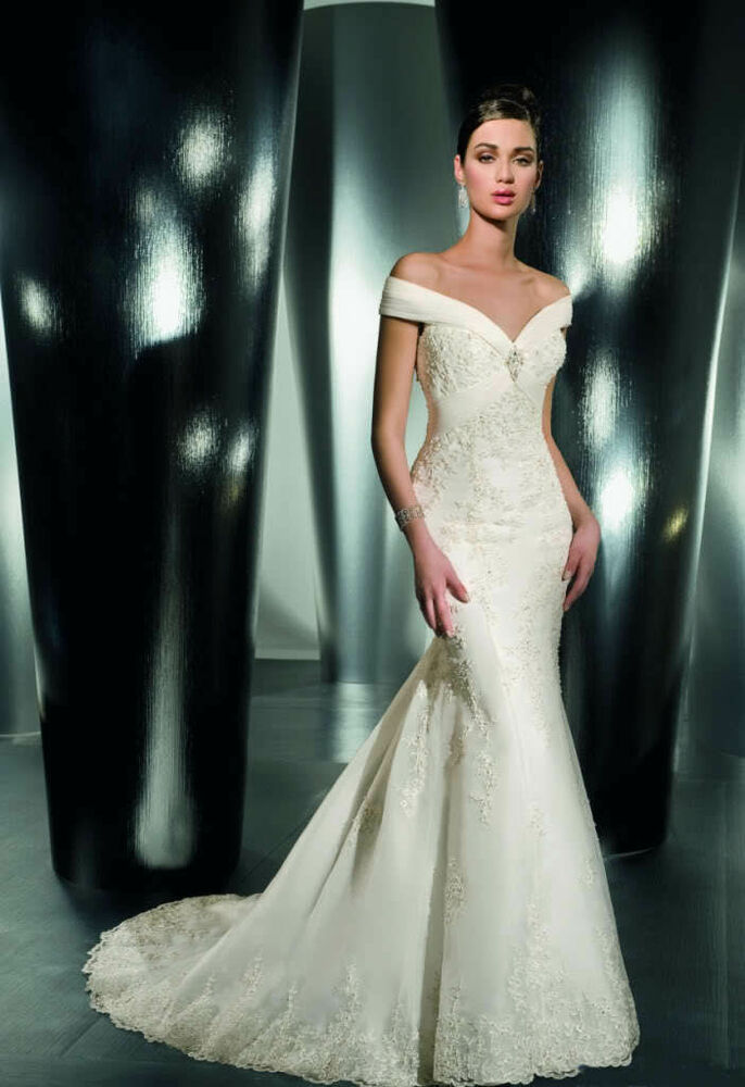 New off the shoulder v neck applique lace wedding dresses for Applique for wedding dress