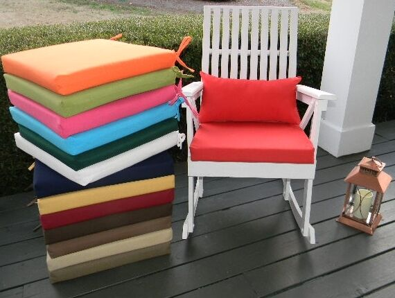 18 x18 x2 foam rocking chair cushion pillow set in outd
