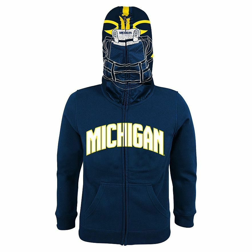 This LEGO Ninjago Hoodie is a wonderful choice for any fan. It features a fun screen print of the superhero's torso on the front and back, which is sure to surprise and delight your child. Featuring long sleeves and a fleece interior, this boys' costume hoodie is ideal for cooler weather.4/5(1).
