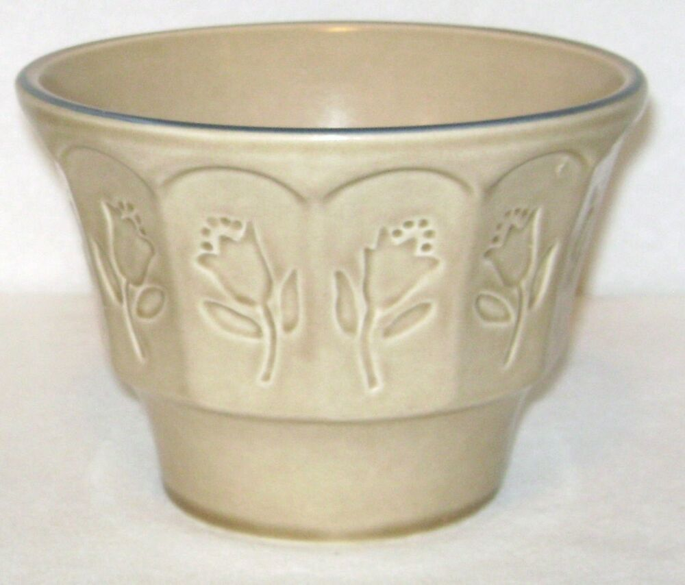 Pfaltzgraff art pottery model 904 tulips pattern planter for Pottery painting patterns