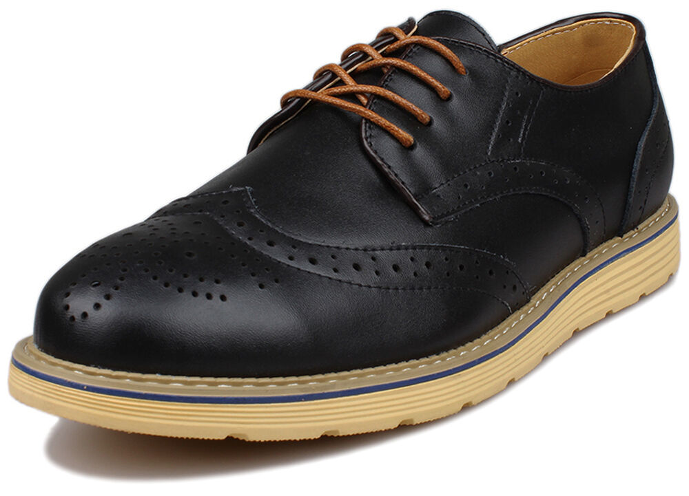 Men's Brogues Jones Bootmaker is home to an exceptional collection of timeless men's brogues. Because the footwear below has been crafted by some of the industry's biggest brands, including Barker and Loake, you're assured of quality.