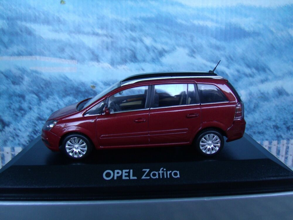 1 43 minichamps opel zafira b ebay. Black Bedroom Furniture Sets. Home Design Ideas