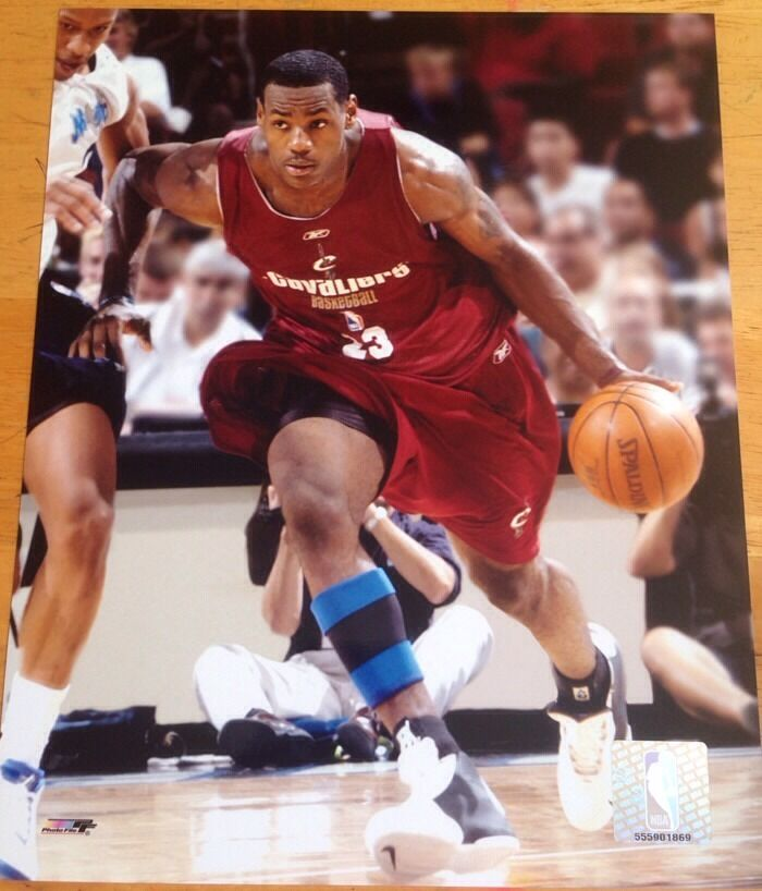 Lebron James Rookie Official Photofile 8x10 Cleveland