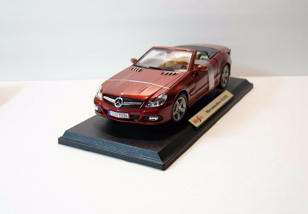 Maisto special edition mercedes benz sl550 1 18 scale for Mercedes benz toy car models