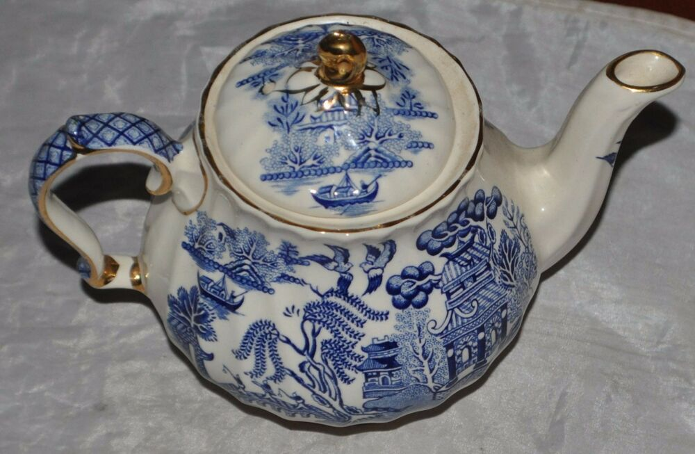 blue willow sadler made in england teapot free shipping ebay. Black Bedroom Furniture Sets. Home Design Ideas