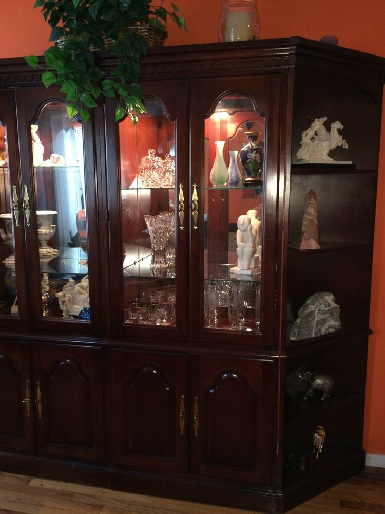 Display cabinet cherry wood w glass mirror back w for Glass cabinet with lights
