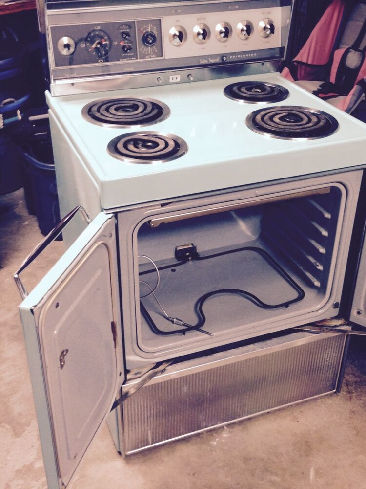 Frigidaire custom imperial electric stove by ge mint green - Frigidaire americain general electric ...