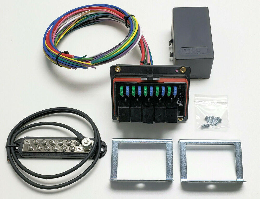 s l1000 universal waterproof relay fuse distribution box cooper bussmann w Mobile Auto Fuses and Relays at bayanpartner.co