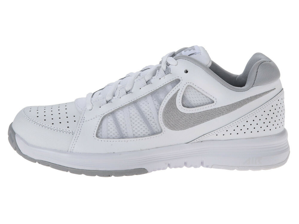 Gray And White Nike Tennis Shoes