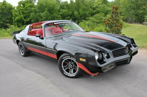 1981 chevrolet camaro z28 black red refrigerator magnet ebay. Black Bedroom Furniture Sets. Home Design Ideas