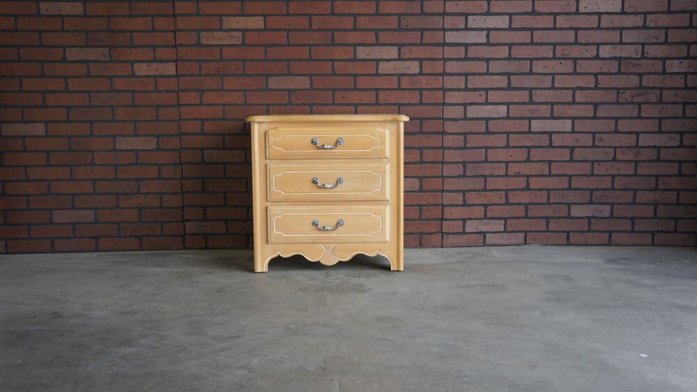 Nightstand bedside chest country french nightstand by ethan allen ebay for Ethan allen french country bedroom furniture