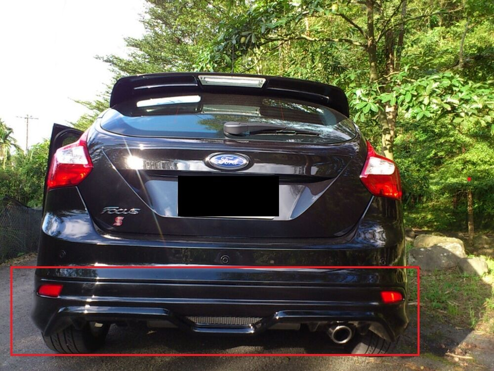 ford focus 3 mk3 st rear bumper spoiler valance zetec. Black Bedroom Furniture Sets. Home Design Ideas