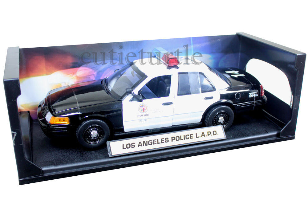 daron 2001 ford crown victoria los angeles police department car lapd 1 18 60326 ebay. Black Bedroom Furniture Sets. Home Design Ideas