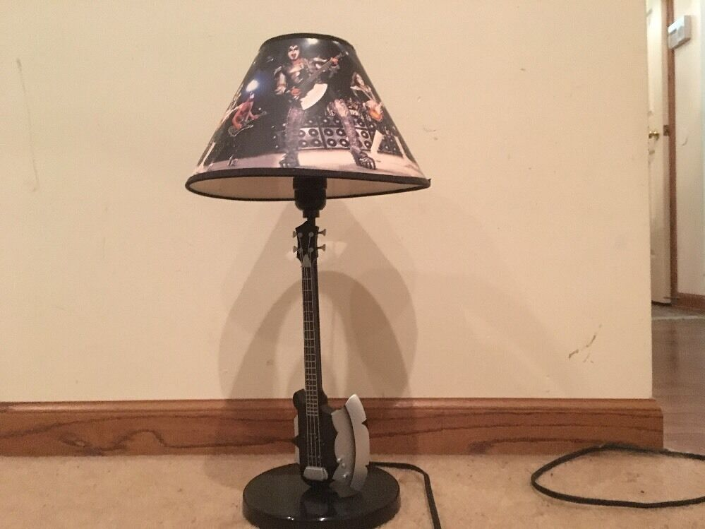 kiss bass guitar table lamp used very hard item to find no. Black Bedroom Furniture Sets. Home Design Ideas