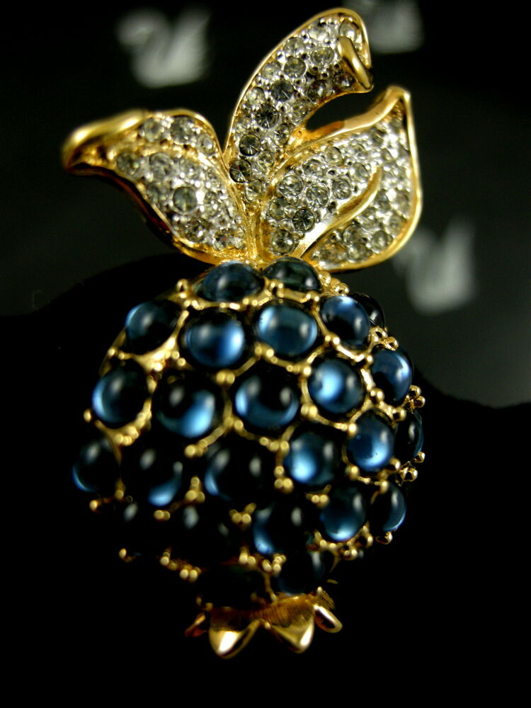 SIGNED SWAROVSKI GOLD PLATED CRYSTAL BLUEBERRY PIN ...