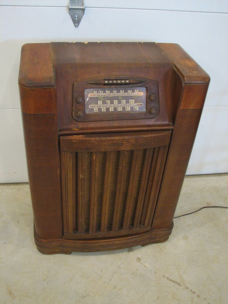 Antique Stand Up Philco Radio Short Wave And Record