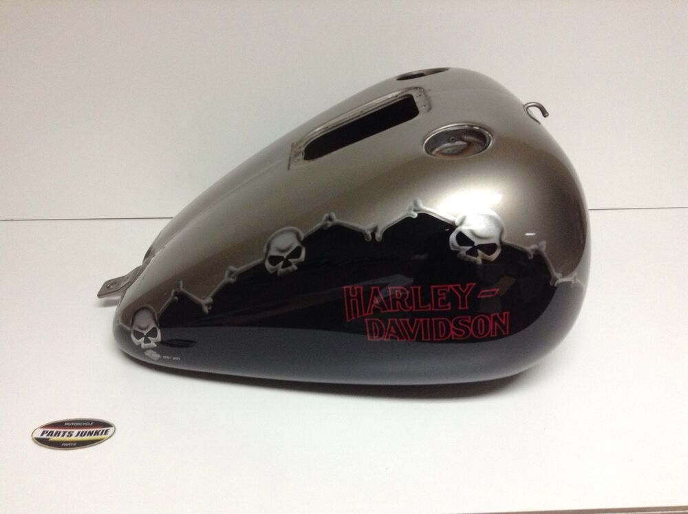 harley davidson fuel gas tank 05 softail fat boy custom. Black Bedroom Furniture Sets. Home Design Ideas