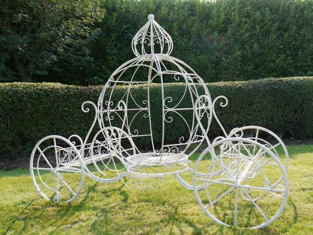 Large Cinderella Carriage Cake Stand