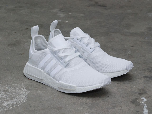 adidas nmd r1 shoes ba7245 triple white us mens sz 4 11. Black Bedroom Furniture Sets. Home Design Ideas
