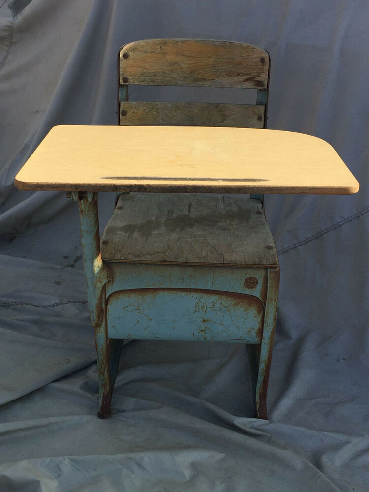 Collectible Vintage Metal And Wood School Desk Envoy American Seating Co USA - American Seating Company: Collectibles EBay